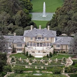 The Oprah Winfrey Mansion in Montecito, CA